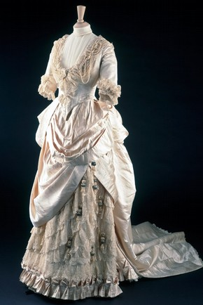The May Primrose wedding dress by Gladman &amp; Womack, London, 1885. Museum no. T.428-1990