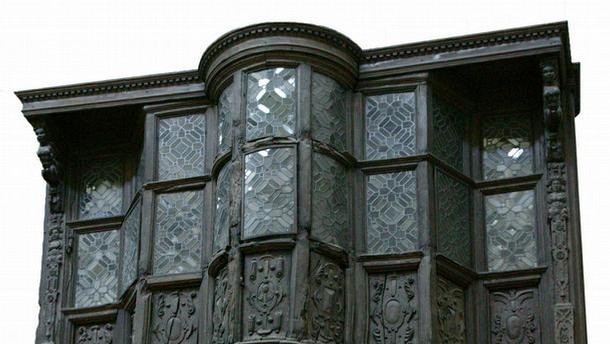 House front, Sir Paul Pindar's House, England, about 1600. Museum no. 846-1980