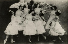Photograph of Swan Lake in St Petersburg, Ballets Russes, The Associated Newspaper, 1910. Museum no. 131655