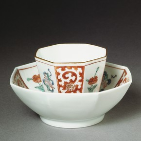 Teabowl and saucer of 'Kakiemon' design, about 1700. Museum no. C.120&A-1919