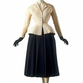 'Bar' suit, by Christian Dior, Paris, France, Spring 1947. 'Bar' is one of the most important designs from Dior's first collection. Museum no. T.376-1960
