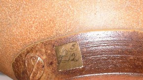  Bernard Leach, bowl (detail), stoneware, about 1925. Museum no. C.148-1926