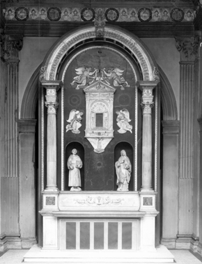 Figure 16. High altarpiece of Santa Chiara Chapel, 1909 display. Courtesy of the Victoria and Albert Museum, London