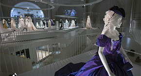 Why Choose V&A Touring Exhibitions?