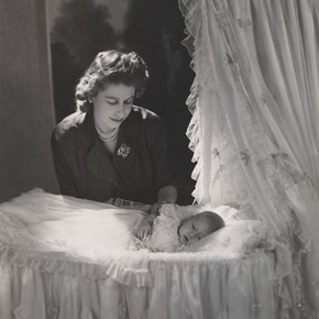 Princess Elizabeth and Prince Charles by Cecil Beaton, December 1948, Museum no. PH.218-1987