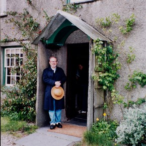 Maurice Sendak in front of Beatrix Potter's house, Hill Top Farm, Sawrey, Cumbria, UK.  Frederick Warne &amp; Co