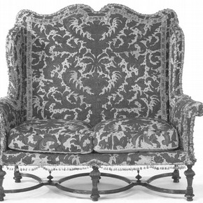 Figure 1. Hampton Court House settee (W.15-1945) before conservation.