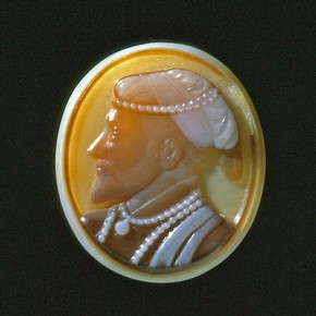 Cameo portrait of Shah Jahan, around 1630-1640. Museum no. IS.14-1974