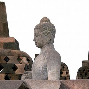 Seated Buddha and perforated stupas at Borobudur. Photograph by Hardy Hartono Gunawan, 2008