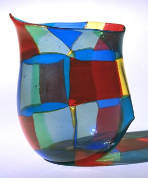 Glass vase, Fulvio Bianconi, Murano, Italy, 1951. Museum no. C.150-1991 © Victoria and Albert Museum, London