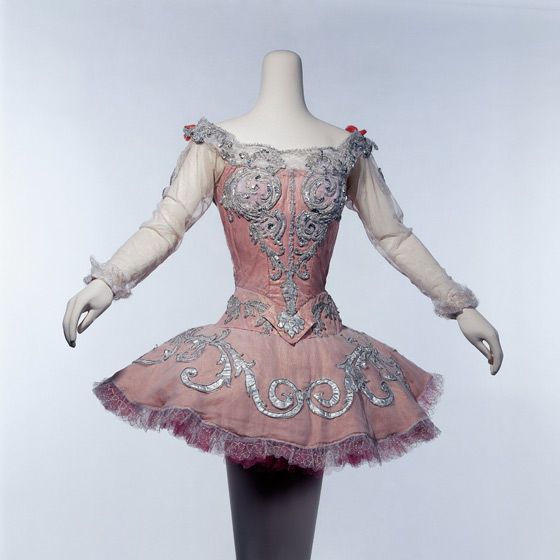 613e352a3 Dance Costume Design - Victoria and Albert Museum