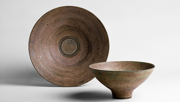 Pair of dishes by Lucie Rie, United Kingdom, 1967. Museum no. CIRC.1231-1967