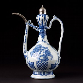 Ewer, Jingdezhen, China, 1522-1566. Museum no. C.222-1931