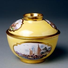 Sugar basin and cover, Meissen porcelain factory. Museum no. C.1449-1919