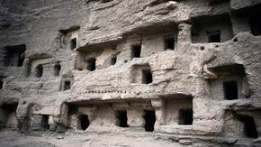 Northern caves, Dunhuang, Collin Chinnery, 1999. Photo 1118/1(12), © International Dunhuang Project