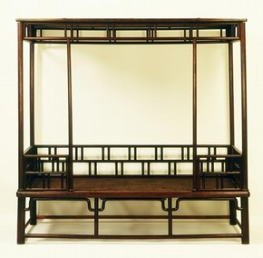 Figure 9 - Canopy bed, China, Ming dynasty, about 1600, huanghuali wood with a lattice design. Museum no. FE.2-1987