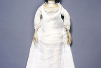 Lady Clapham in her shift, doll and clothes, England, 1690s. Museum no. T.846-1974