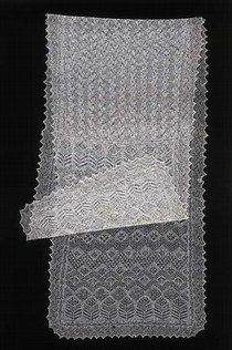 Shawl, 1935. Museum no. T.335-1980