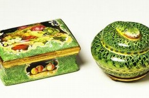 Snuff boxes, England, about 1765-75. Museum nos. C.470-1914 and C.478-1914