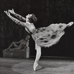 Production photograph for Kenneth Macmillan's ballet 'The Invitation', England 1960. Photograph by Anthony Crickmay