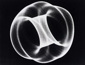 Бен Лапоски, «Осциллон 40», 1952 г.  E.958-2008.  Подарено Американскими друзьями Виктории и Альберта благодаря щедрости Патрика Принса.