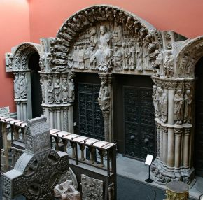 Plaster cast of the Puerta de la Gloria by The Master Matteo, Santiago de Compostela, Spain, 1188, cast made by Domenico Brucciani, 1866. Museum no. REPRO.1866-50, © Victoria and Albert Museum, London