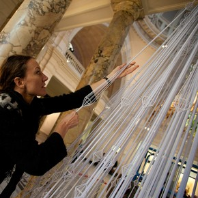 Sophie Nielson, of Studio Roso, working on the V&amp;A&#39;s 2011 Christmas Tree commission.