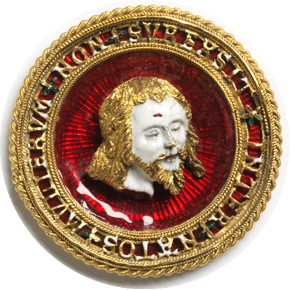 Hat badge, gold, cast and enamelled, France, about 1500-1525, sold to the V&A by John Webb in 1873