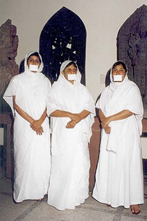 Jain nuns at the V&A