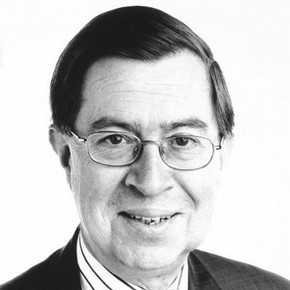 Dr Alan Borg, CBE, Director and Secretary of the Victoria and Albert Museum, 1995 – 2001. Photographer Graham Brandon