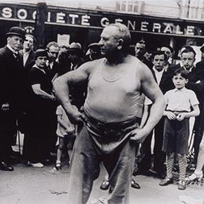 Yves Le Boulanger, athlete and street entertainer, by Lucien Aigner, Paris 1934. Museum no. E.282-2003, Given by John and Judith Hillelson, © Lucien Aigner Trust