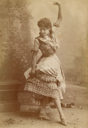 Lottie Collins in a burlesque of the play Monte Cristo Jr, 1886, Gaiety Theatre, London. © Victoria and Albert Museum, London