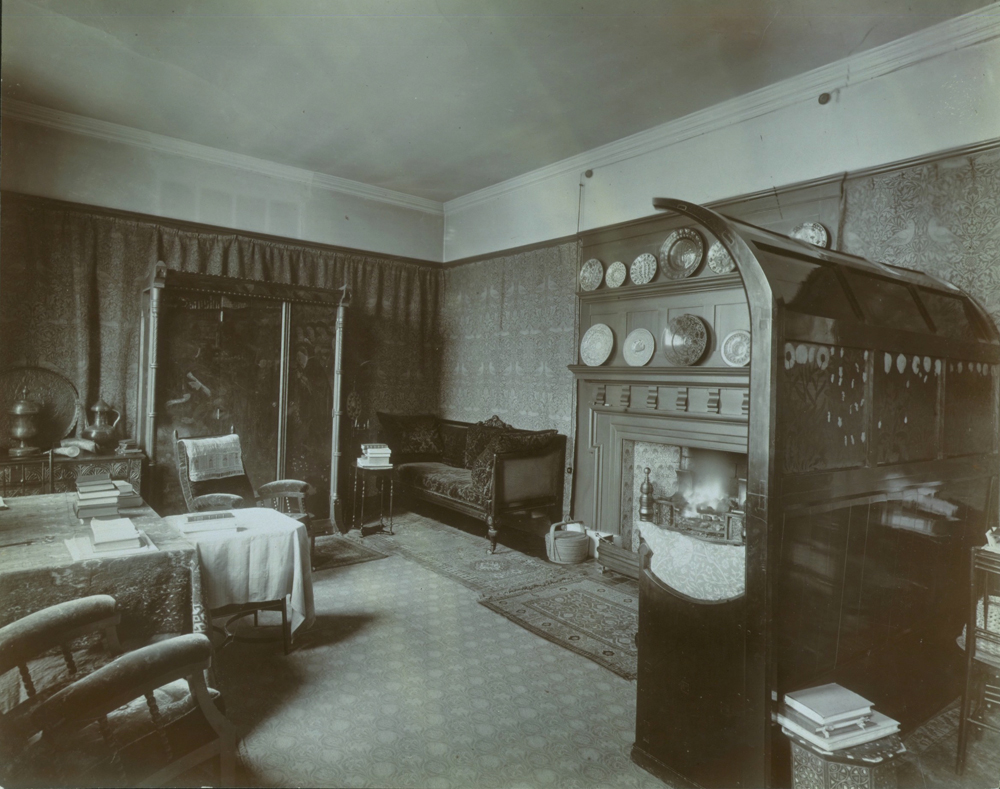 Arts and crafts interiors - The Drawing Room Of Kelmscott House Photograph Emery Walker 1896 Museum No