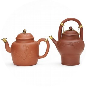 Teapots, John Philip and David Elers, 1690–8. Museum no. C.17-1932