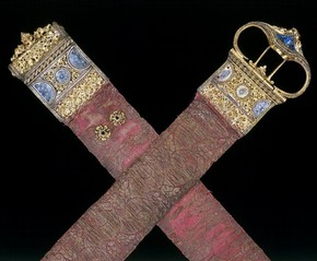 Gold brocade girdle with gilded metal, enamel and nielloed silver, Italy, 1450-1500. Museum no. 4278-1857