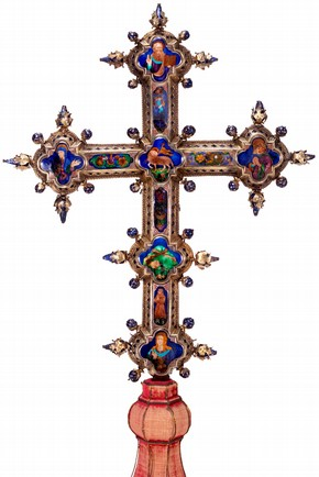 Figure 1. (M.580-1910) Altar cross, Italy, 15th century (Photography by V&A Photographic Studio)