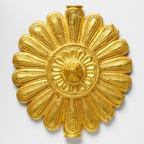 Pectoral disc, Asante (Ashanti), Ghana, before 1874 , cast gold. Museum no, 369-1874