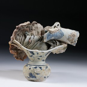Fused spittoon, tea bowls and vase neck, Jingdezhen, China, about 1725. Museum no. FE. 7-2007