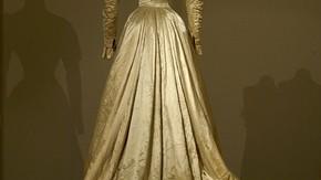 Dress, 1875–1900. MOMU: T93/381AB