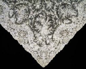 Needle lace veil, Belgian, about 1890. Museum no. T.366-1970, © Victoria and Albert Museum, London