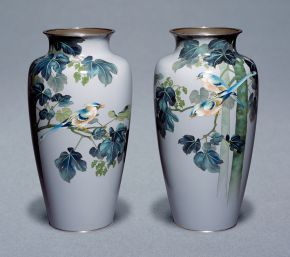 Pair of Cloisonné enamel vases decorated with a bird, Andō Company, Japan, about 1912-26. Museum nos. FE.20:1&3-2011, © Victoria and Albert Museum, London