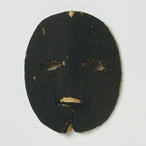 Cardboard and silk mask for Lady Clapham doll 1690-1700, British Galleries, room 54b, case 3, shelf D1, Museum number: T.846T-1974