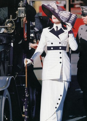 Kate Winslet as Rose DeWitt in 'Titanic', 1997, costume designed by Deborah L Scott. 20th Century Fox/Paramount/The Kobal Collection