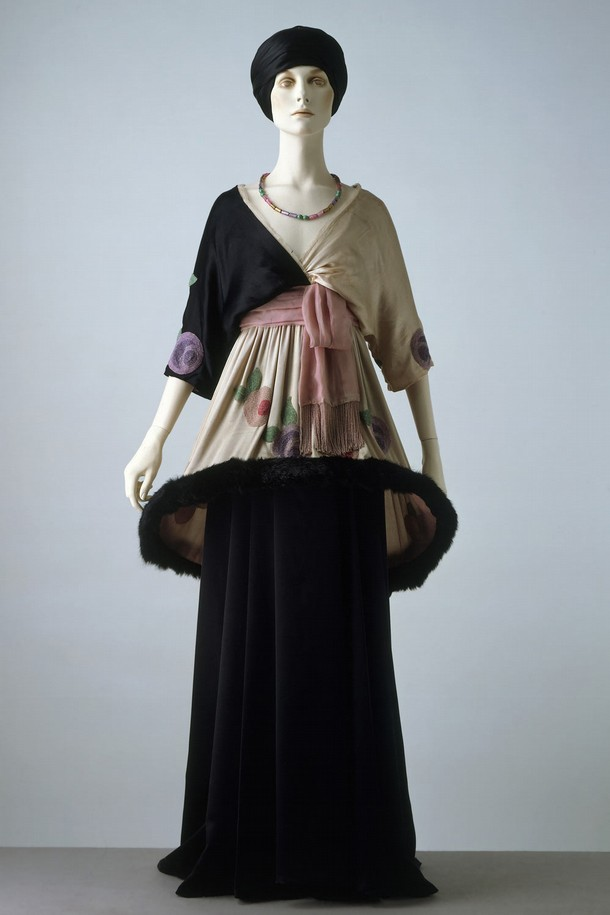 22d469c1830 Introduction to 20th-Century Fashion - Victoria and Albert Museum