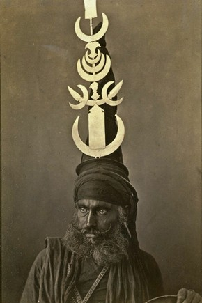 Sikh warrior wearing an Akali turban, G Western, India, about 1860. Museum no. 0932(IS)