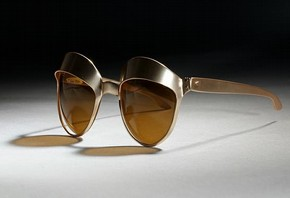 Sunglasses 'Car Headlights' made by Oliver Goldsmith Eyewear, 1971, Museum no. T.244-1990