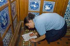 Student exploring pattern in the Museum