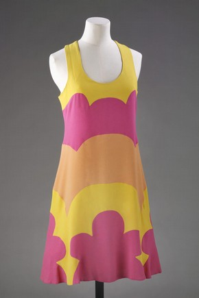 Dress designed by John Kloss. Museum no. T.259-2009