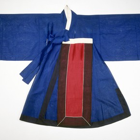 Ceremonial court costume, Korea, 19th century. Museum no. T.196-1920