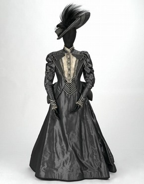 Costume for Lady Bracknell (&#39;The Importance of Being Earnest&#39;), by Bob Crowley, The Aldwych Theatre, London, 1993. Museum no. S.108-1993
